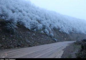 برف و باران محورهای مواصلاتی استان اصفهان را دربرگرفت