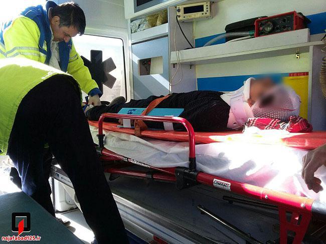 زخمی شدن چهار سرنشین پیکان در کمربندی نجفآباد